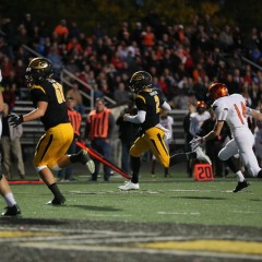 On Homecoming Night, Elks Make Late Stand, Hold on to Win 35-28